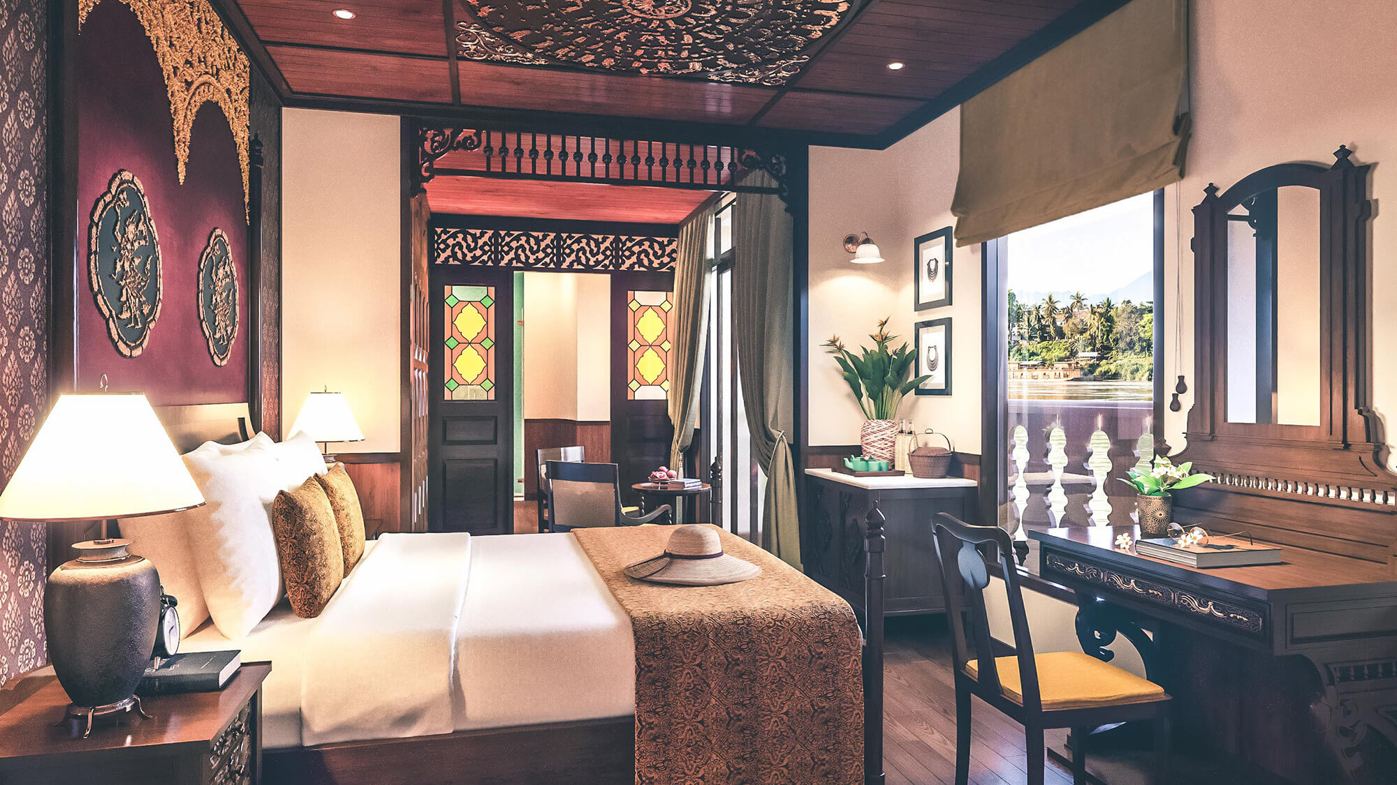 Luxurious Signature Suite aboard Anouvong