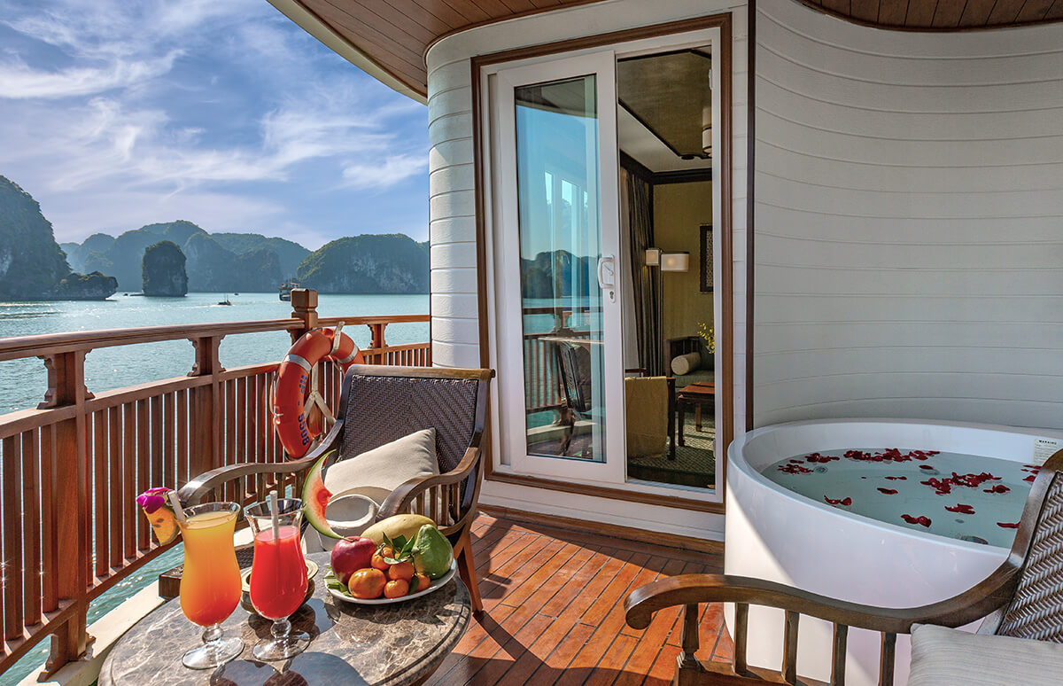 Private balcony with jacuzzi on Heritage Line Ylang's premium Regency Suites