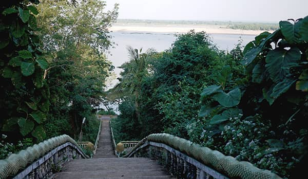 Steps from the Mekong River to Wat Hanchey Temple in Kampong Cham, Cambodia