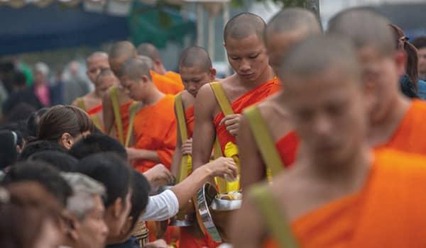 Almsgiving in Luang Prabang (Tak Bat)