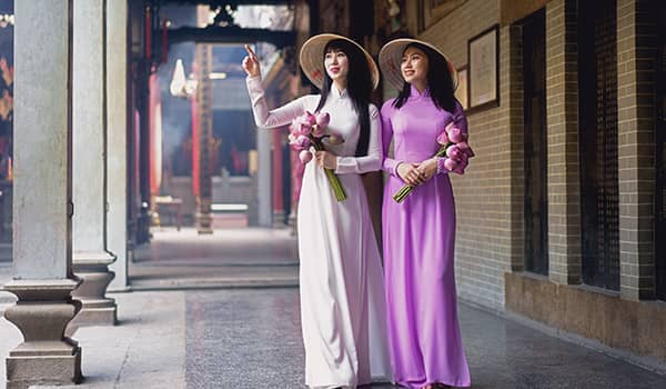 Young Vietnamese women wearing traditional Ao Dai